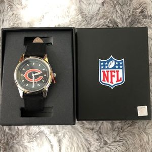 🔥FINAL PRICE📌📌4/$20 NIB NFL Chicago Bears watch